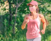 Maska antysmogowa dla biegacza – czy warto z niej korzystać? Jaki model wybrać?