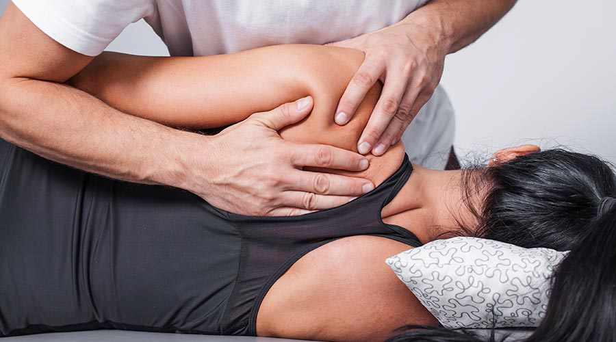 Fizjoterapia – kto powinien z niej korzystać? Gdzie znaleźć dobrego fizjoterapeutę?