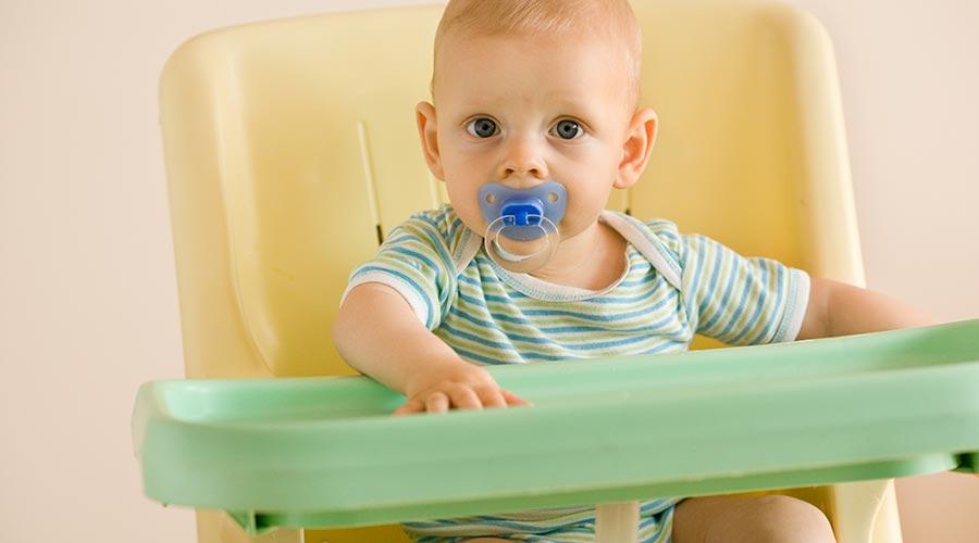 Odpowiedzialni rodzice - wybór krzesełka do karmienia ma istotny wpływ na poprawną postawę Twojego dziecka!
