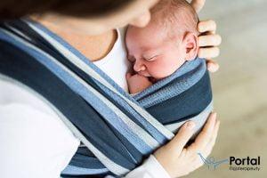 Jak nosić dziecko w chuście?