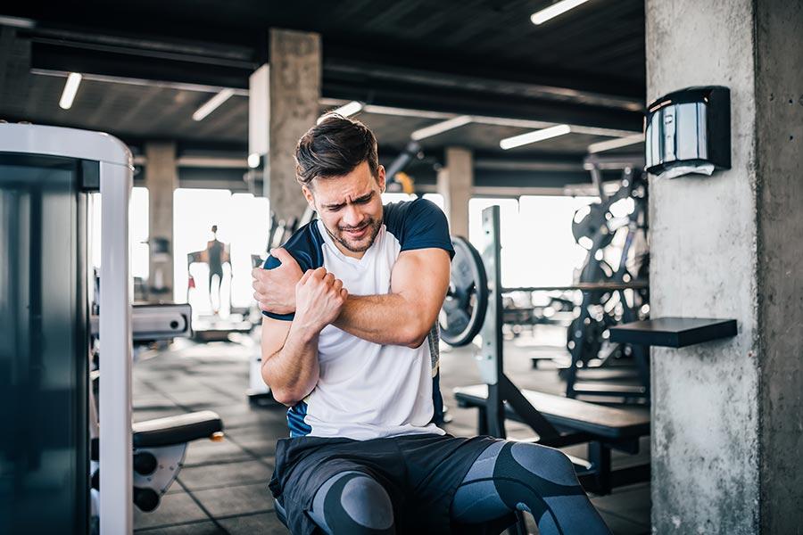 Najpopularniejsze kontuzje na siłowni – jakie urazy grożą początkującym (i nie tylko)?